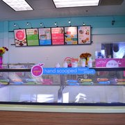 TCBY - Front counter and menu board - Durham, NC, Vereinigte Staaten