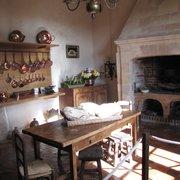 A cozinha, com vista para os jardins.