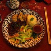 Lhassa - Paris, France. Assiette Shigatse (avec viande)