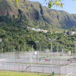Quadras de futebol/vôlei/tênis