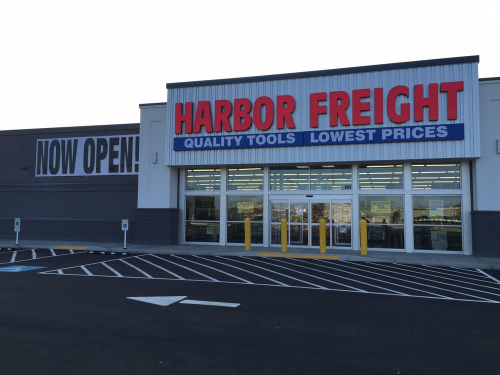 Are we missing your local Harbor Freight Tools location? Add a store to let us know about it.