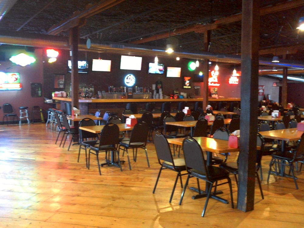 The locker room sports bar grill sports bars rolla for O significado de dining room