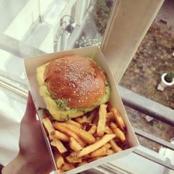 Burger avec vue...merci Cantine Cali