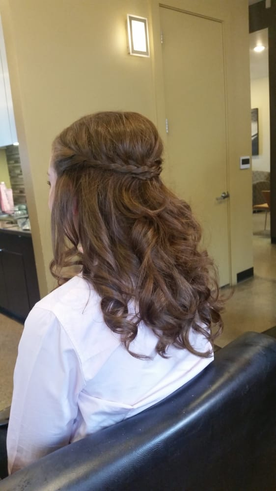 Headrush salon hairdressers denton tx united states for 5th avenue salon hilton head
