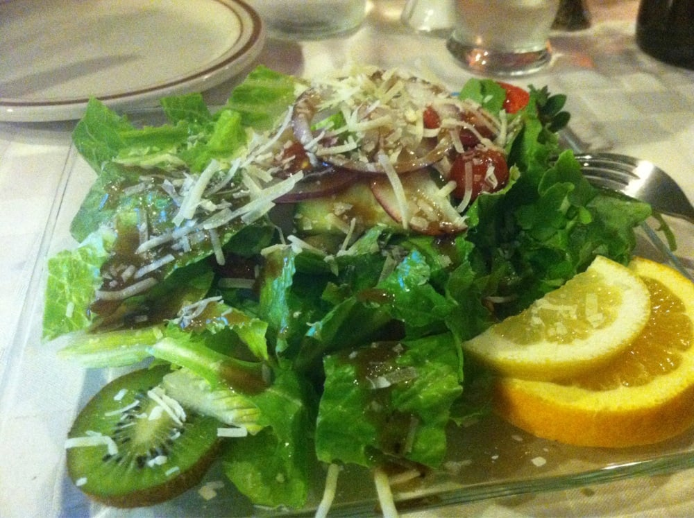 Comprehensive nutrition resource for Pizza Hut Zesty Italian Tuscan Salad w/o Dressing - Shared. Learn about the number of calories and nutritional and diet information for Pizza Hut Zesty Italian Tuscan Salad w/o Dressing - Shared.