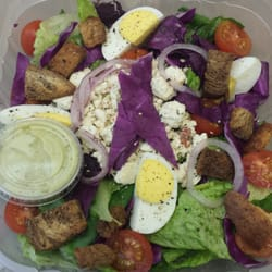 City Market - The Greek salad with hard boiled egg - Memphis, TN, Vereinigte Staaten