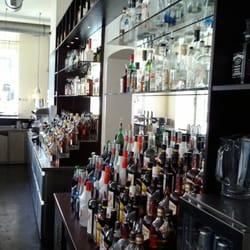 Die Bar im Raucherbereich