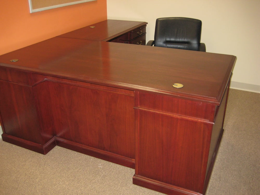 Steelcase Traditional 36x72 L Shaped Desk In Dark Cherry