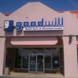 Y Chesterfield Mo Goodwill, Chesterfield, MO, USA by David P.