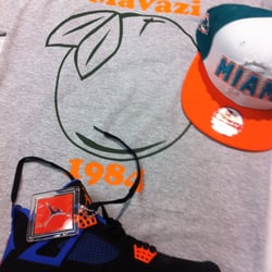mavazi t-shirt with Miami snapbk