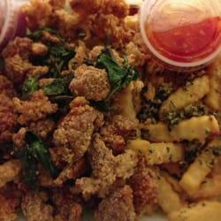 Sweetea - San Jose, CA, États-Unis. popcorn chicken and squid head combo with garlic fries