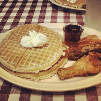 Roscoe's House of Chicken & Waffles - Los Angeles, CA, États-Unis. #1 Chicken and Waffles ($10.70)