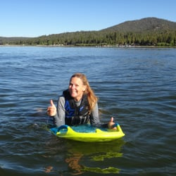Big Bear Watersports School - Gwen on the ZUP Board! - Big Bear Lake, CA, Vereinigte Staaten