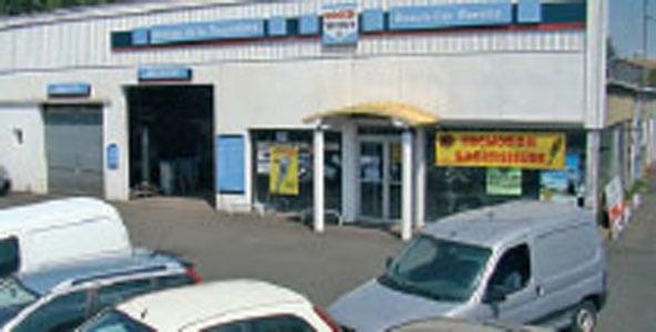 Car consulting garage de la trocardi re auto repair for Garage ford loire atlantique