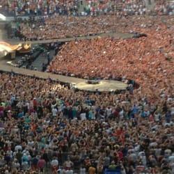 Die Bühne beim Robbie Williams Konzert…