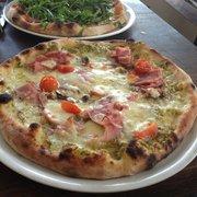 Maria Luisa - Paris, France. Pizza di Giorno (jambon, crème d'asperges, tomates, champignons)