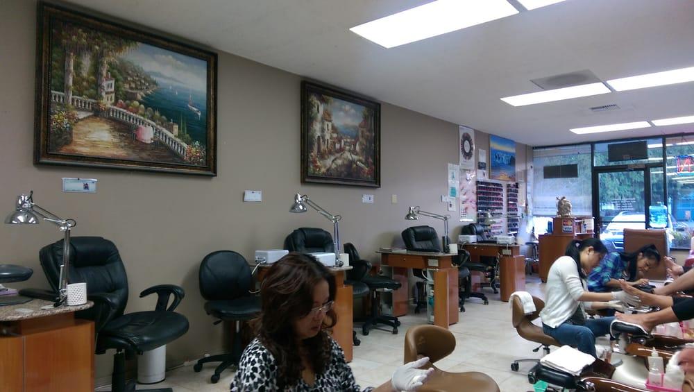 Medina nails 12 photos nail salons bellevue wa for 7 salon bellevue