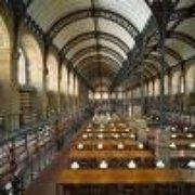 A l'intérieur de la bibliothèque
