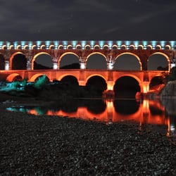 Pont du Gard illuminé - Source D.…