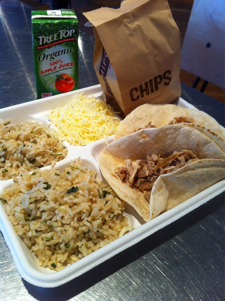 Chipotle mexican grill 18 photos mexican restaurants for Where can i get fish and chips near me