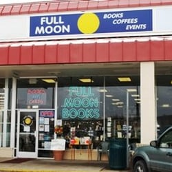 Full Moon Books & Coffees logo