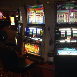 Golden Nugget Hotel & Casino - If you like having coins fall out of your slot machine... They've got you covered. - Laughlin, NV, Vereinigte Staaten