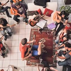 Orquestra de Violões no ensaio