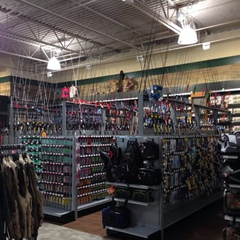Dick s sporting goods sports wear 14500 bear valley rd for Dicks sporting goods fishing
