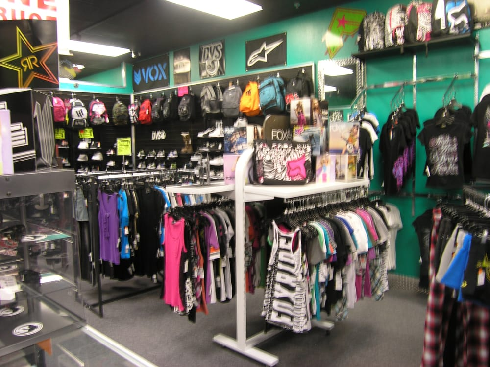 Threads Clothing Co. - Ardmore, Oklahoma - Women's Clothing Store