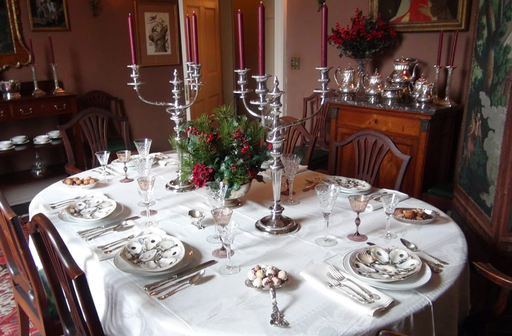 Dining Room Settings Change Seasonally This One Recalls 1920s Elegance With American Made