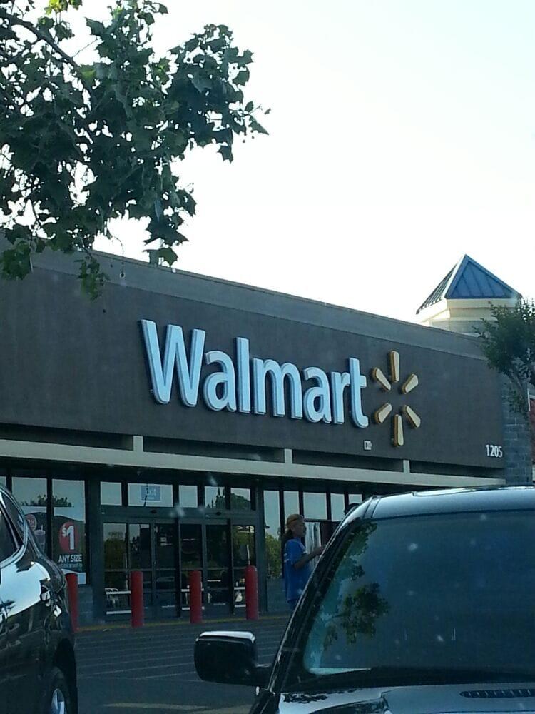 Manteca (CA) United States  city photos gallery : Walmart Supercenter Manteca, CA, United States