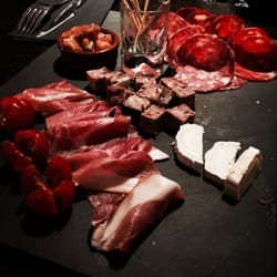 Chez Max - Lille, France. Assiette apéritive à partager.