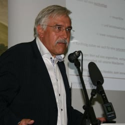 Steuerberater Bernd Lehmann, hab ich von…