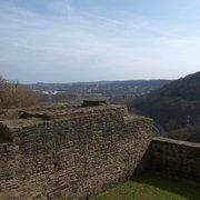 Blick über die Kemenate nach Hattingen