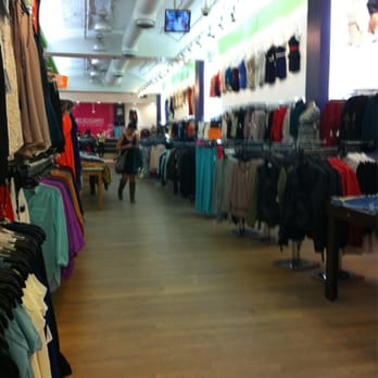 Manhattan clothing store online. Girls clothing stores