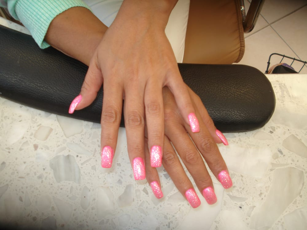 Acrylic Nails With Pretty