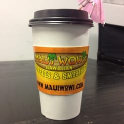 Maui Wowi Hawaiian Coffees & Smoothies logo
