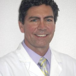 Helping Hands Chiropractic Care - Chicago, IL, USA. Dr. Peter Meyer - ls