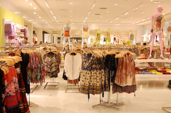 What stores have maternity clothes. Clothing stores online