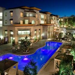 Woodland Hills Apartment Complexes