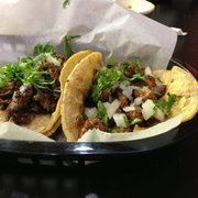 Mi Casa Restaurant - Wheaton, IL, États-Unis. Steak and al pastor tacos