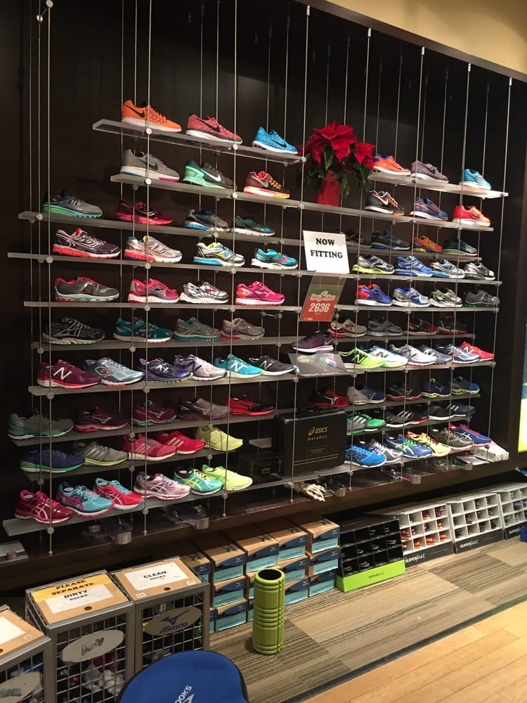 fleet sports shoe stores lincoln square chicago