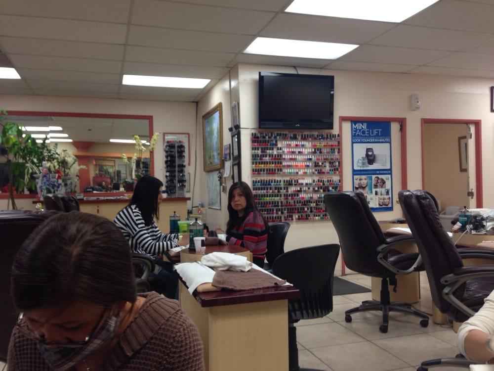 Tarzana nail beauty salon neglesaloner tarzana for Beauty salon usa