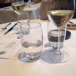 Carta de vinos exquisita.