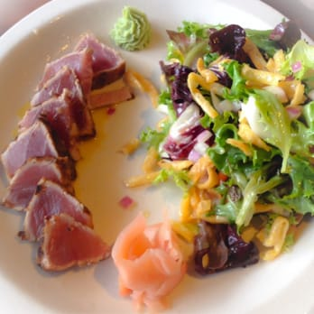 Alexander's - Asian Ahi Tuna Salad - Seared, rare with field greens ...