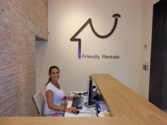 Friendly rentals agentes inmobiliarios sant pere - Agente inmobiliario barcelona ...