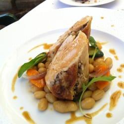 Hôtel Le Pigonnet - Aix en Provence, France. Plat: poulet farçi aux champignons