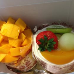 Mango cake and fruit cake!