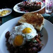 Bintliff's American Cafe - Hash and chocolate waffle :) - Portland, ME, Vereinigte Staaten