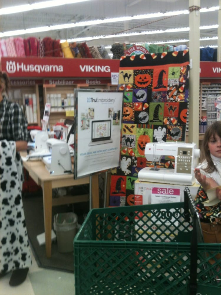 Jo ann fabric and craft fabric stores lynnwood wa for Joann craft store near me